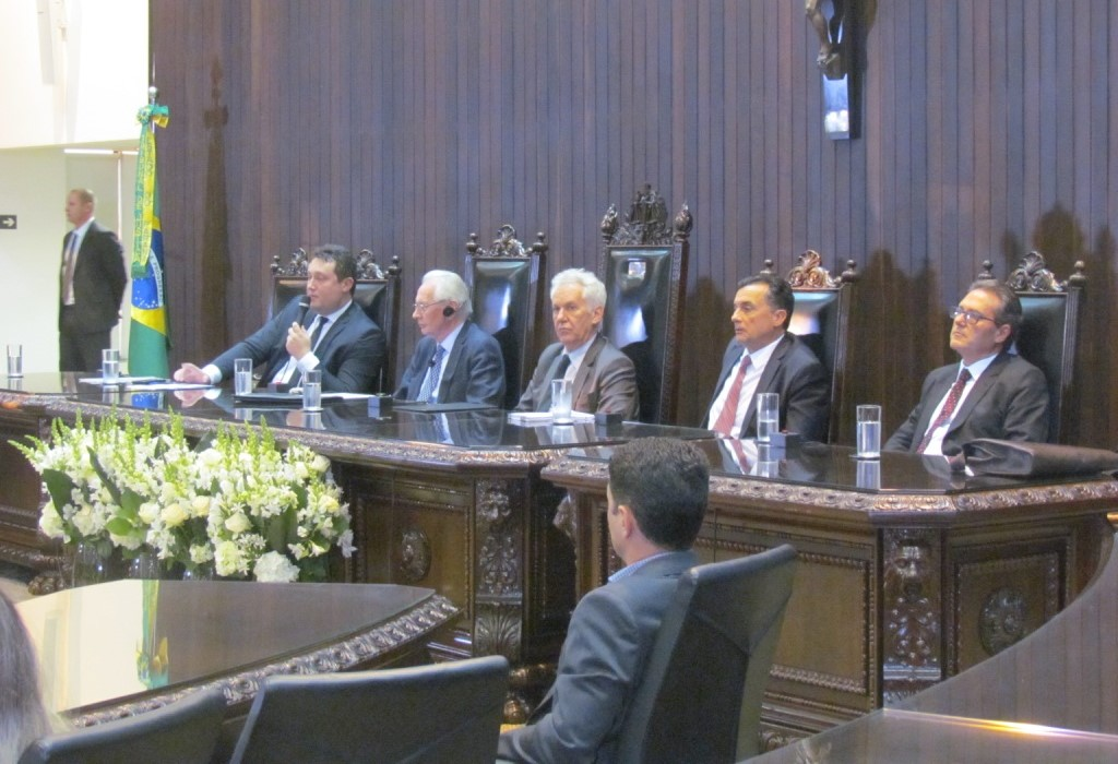 Presidente do TJPR recebe o jurista alemão Dieter Grimm