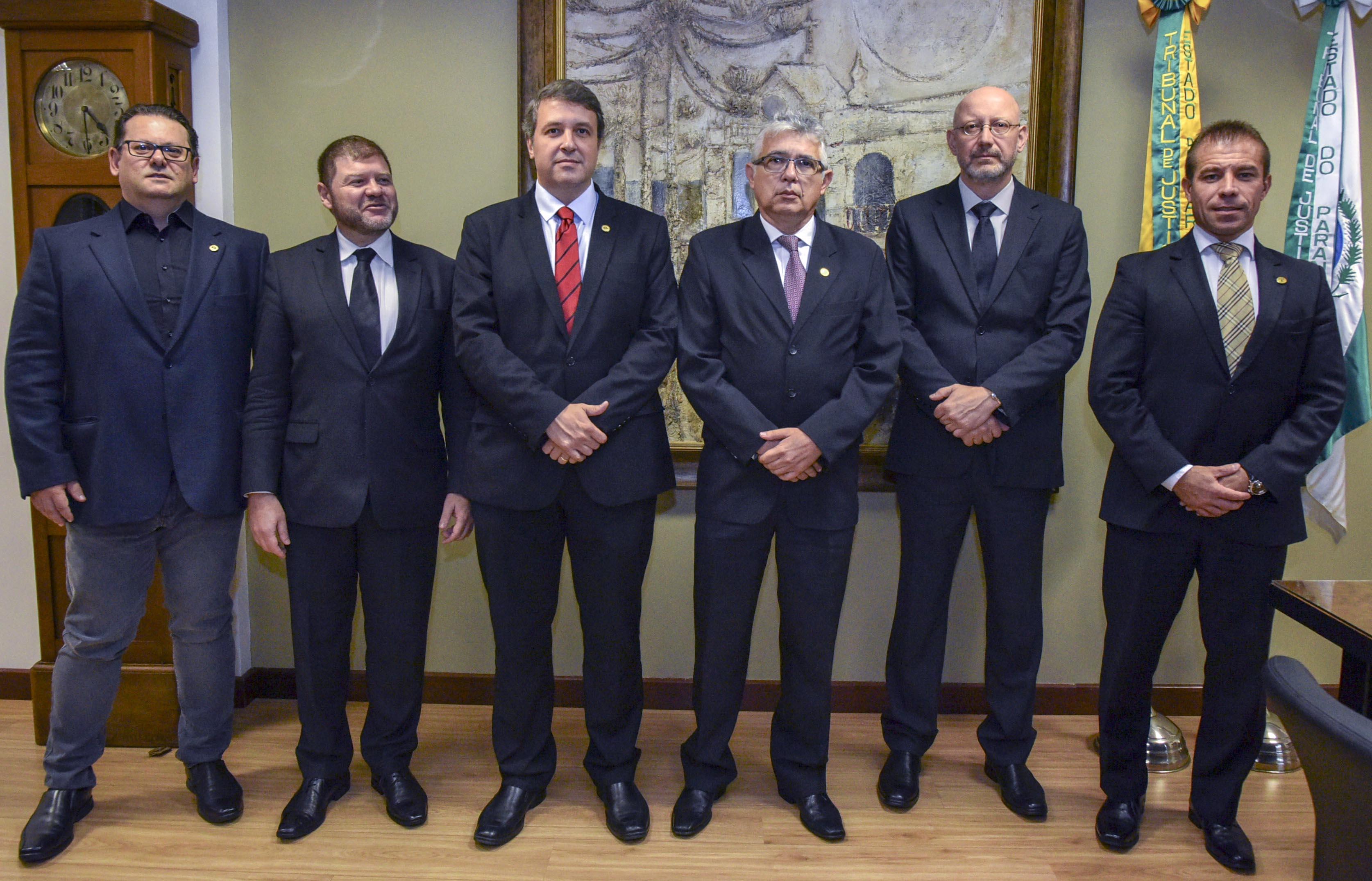 Presidente em exercício do TJPR recebe visita institucional da AMAPAR