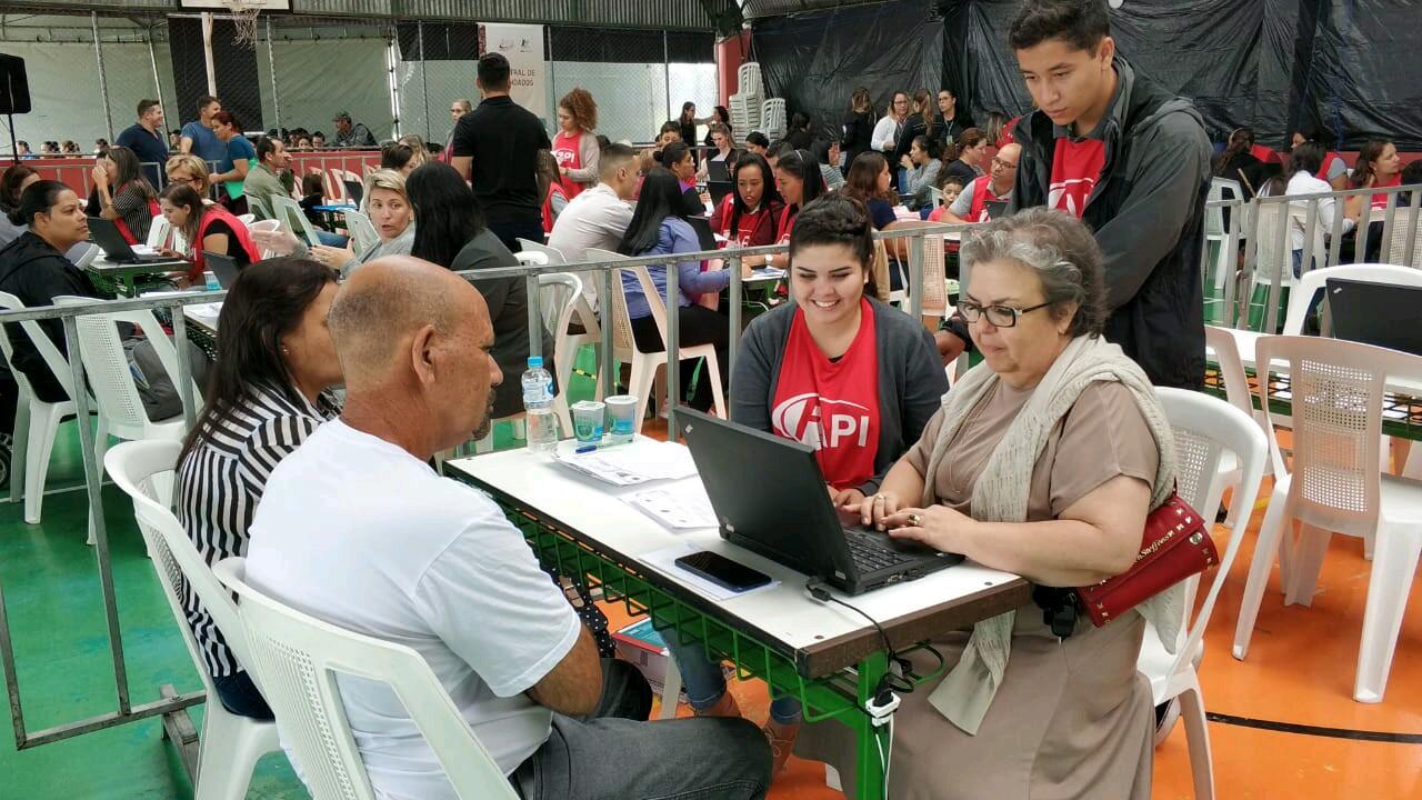 Programa Justiça no Bairro presta atendimentos à população de Pinhais