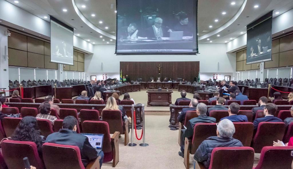 Seção Cível do TJPR suspende processos contra a Copel e a Sanepar para evitar julgamentos contraditórios em milhares de ações indenizatórias