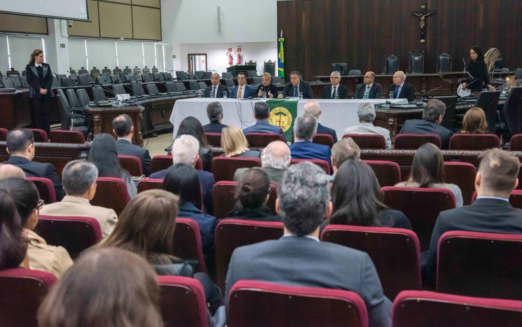 1º Encontro da Saúde reúne 150 participantes no Auditório Pleno do TJPR