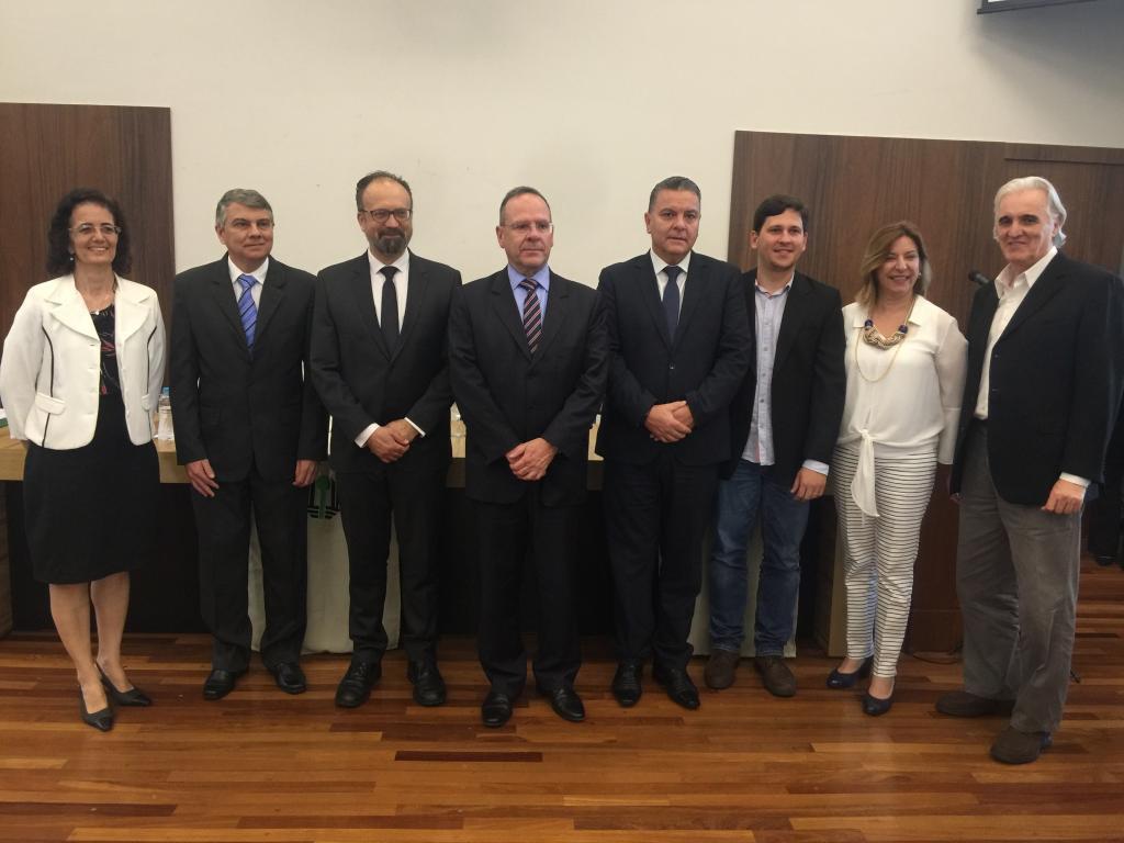 TJPR, Justiça Federal e UEL firmam parceria para auxílio técnico em decisões judiciais na área da saúde