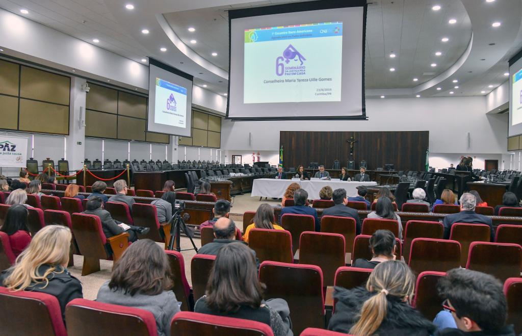 TJPR realiza o 6º Seminário da Justiça pela Paz em Casa