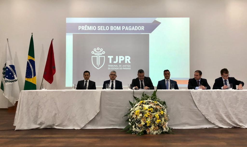 """TJPR entrega o """"Selo Bom Pagador"""" a municípios da região de Londrina"""