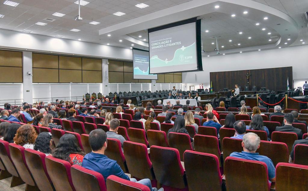 Encontro realizado pela Ouvidoria do TJPR debateu o papel conciliatório das instituições