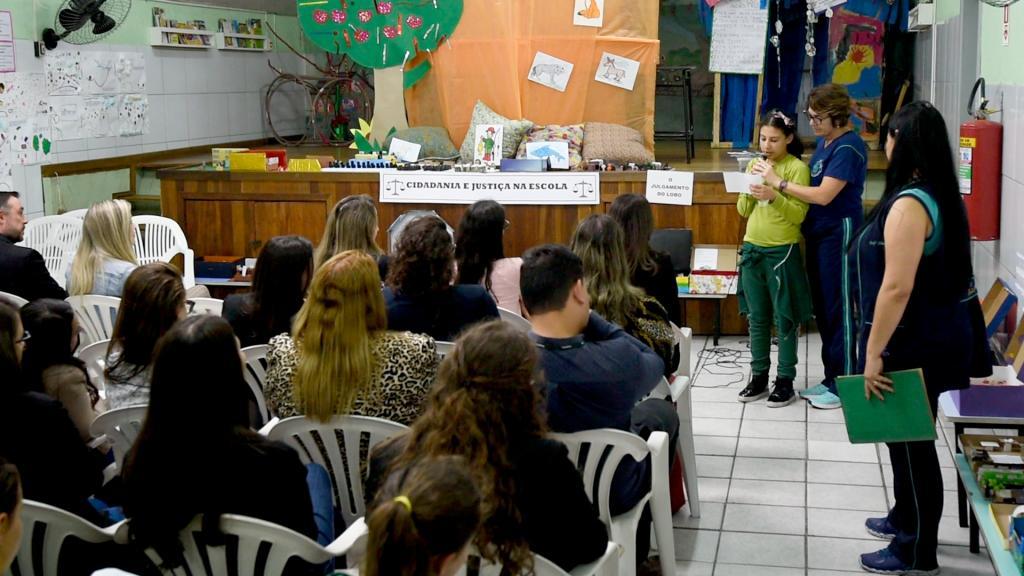 """Programa """"Justiça e Cidadania Também se Aprendem na Escola"""" promove atividades educativas com estudantes do ensino público"""