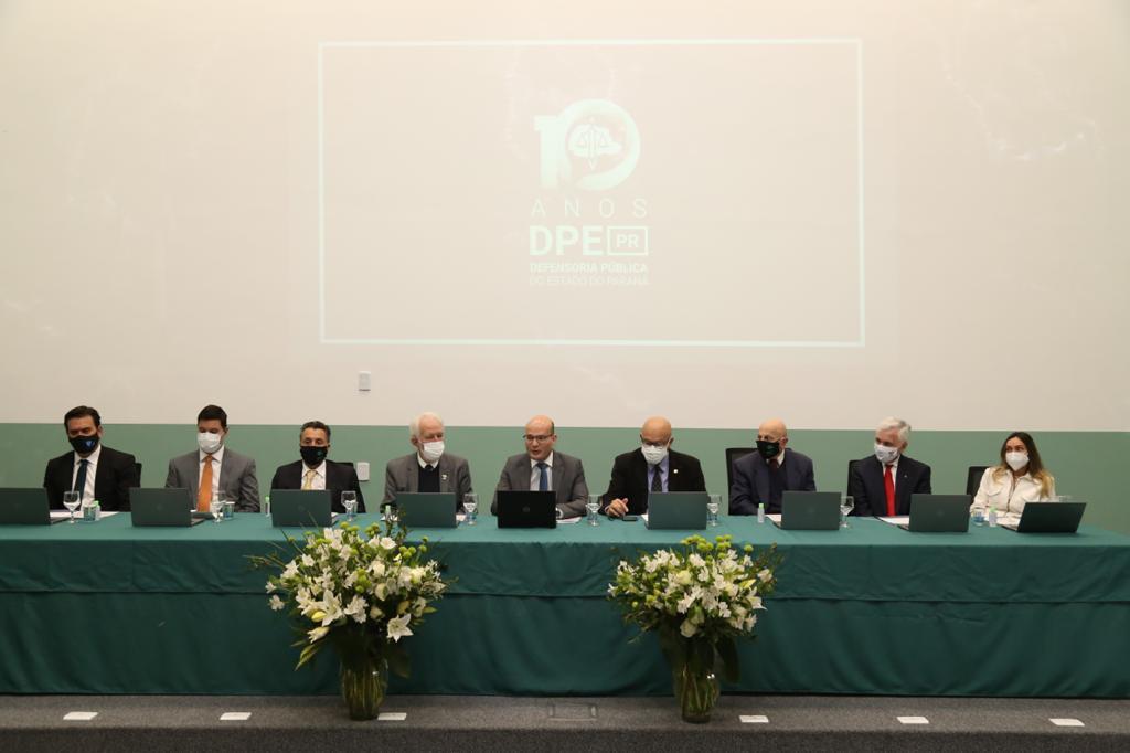 Evento de comemoração dos 10 anos de criação da Defensoria Pública do Estado do Paraná contou com a participação do Presidente do TJPR
