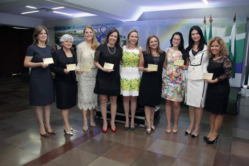 Integrantes da Coordenadoria Estadual da Mulher em Situação de Violência Doméstica e Familiar (CEVID) (Foto: TJPR)